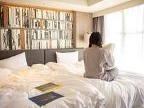 お部屋でゆっくりロビーの本をお楽しみください