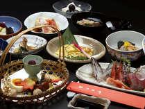 伊豆の旬な食材を使用した創作会席に舌鼓♪(料理一例)