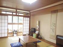 *【客室例】畳のお部屋で足を伸ばしてのんびり。那須の山々をご覧頂けます。