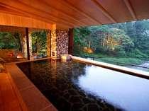 川の湯「内湯」 ※天気が良いときは全ての窓がオープンとなります。※17の浴槽で温泉をご満喫ください。