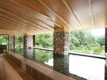 【川の湯・「内湯」】 ※天気により全ての窓がオープンとなり半露天として自然をご満喫いただけます