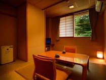 客室「月かんむり4.5帖」※景色は楽しめませんが、リーズナブルにご利用いただけるお部屋です.