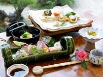 【ご馳走倶楽部★萩の美味しいおもてなし】料理長おすすめの日本海の旬の幸。宿から望む世界遺産の町並み。