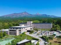 八ヶ岳南麓標高約1000mに位置するRoyal Hotel 八ヶ岳