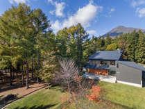 磐梯朝日国立公園内に佇む小さな温泉宿。黄金色に輝く源泉かけ流し温泉と會津フレンチをお愉しみ下さい。