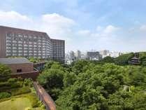 四季折々に美しい庭園とホテル椿山荘東京外観