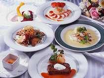 *スカイレストラン「ゴンドリーナ」でのご夕食一例。旬の恵みをフルコースに♪