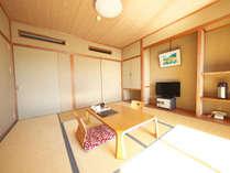 【和室12畳バス・トイレ付】木と畳の質感に癒やされる、スタンダードな和室です♪