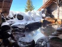 ・冬の楽しみ雪見温泉