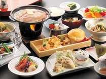 夕食会席料理の一例※旬の素材をお楽しみいただける様季節によりメニューが異なります。