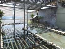 本館11階の露天風呂「初島」です。