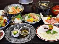 【島根和牛と日本海の幸がいっぱい】(1) 人気の島根和牛も付くプランでございます。