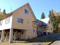 隣のNo.357Aとほぼ同じ造りの別荘。屋根付きテラスでBBQが楽しめます。☆最大10名様まで☆【No.357B】
