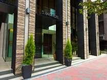 銀座4丁目のソラリア西鉄ホテル銀座 昼の正面玄関