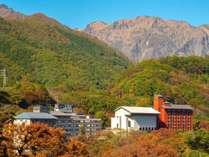 ■松乃井外観■秋の季節