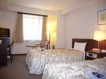 ツインルームは約15平米のお部屋♪