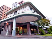 *JR西条駅より徒歩10分、酒蔵通りにも近く、観光にもお仕事にも便利な立地です。
