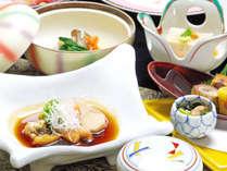 *グレードアップ料理会席。季節毎にメニューが変わります。割烹旅館ならではのお食事をお愉しみ下さい