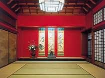 【延命閣】大正の美が今も残る、最高ランクのお部屋。中庭に佇む離れは、皇族の方々も御投宿賜りました。