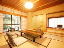 【春の館/2・3F】のお部屋は全て庭園側。静かなひと時が過ごせます。