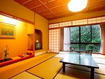 『夏の館』温かみのある明るい雰囲気のお部屋です。