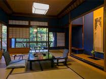 【名園を望む廊で繋がる穏やかな寛ぎ空間】『秋の館~標準室~』各部屋タイプ壁紙等異なります。