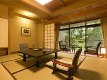【息を呑むほどの優美な日本庭園で至福な時を】『春の館』リピート率No1の客室です。