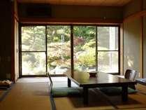 【1階 和室12畳トイレ付】お庭を眺めながらゆったりと・・・