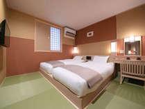◆スーペリアツインルーム◆ 畳敷きのお部屋に低層ベッド。足腰に痛みがある方でも使いやすいお部屋です
