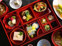 【精進料理】色鮮やかな食材を使用し、からだに優しい精進料理をご堪能くださいませ
