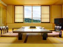 1室限定の特別室。広々としたお部屋に2台のベッドがございます。