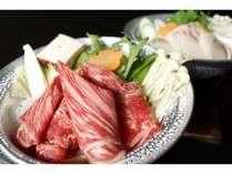 信州産牛のすき焼きと石鯛鍋(夕食の一例)