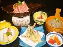A5飛騨牛朴葉味噌焼き・山菜の天ぷらなどの夕食(一例)