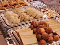 【朝食バイキング】様々な種類のパンが楽しめるのもバイキングならでは※写真はイメージです