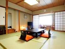 客室(和室の一例)10畳の和室は喫煙室と禁煙室をご用意