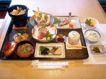 【阿波尾鶏鍋】甘みとコクある美味しい「地鶏」に舌鼓