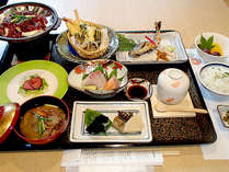 *夕食一例/山や川、海などの恵みを中心としたお料理。四季を感じて頂けるお食事内容です!
