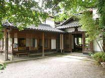 *当館は国の登録有形文化財に登録されております。