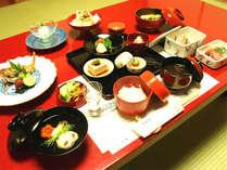 *夕食一例/独創的な料理は、型にはまらない斬新さがございます。