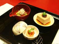*夕食一例/見た目にも美しいお料理をご提供します。