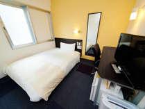 ■シングルルーム■眠りを追求した広々150cm幅のワイドベッドでぐっすり
