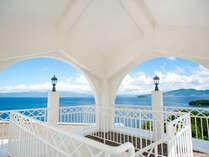 ホテル展望塔より眺める大村湾の景色はまるで地中海。