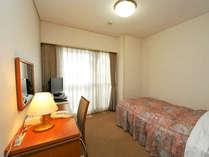 【シングルルーム】広さ:15平米 ベッド:120cm