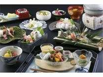 懐石料理はお部屋でごゆっくり召し上がって頂けます。京都ならではの食材をお楽しみください。