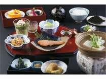 朝食一例。京都ならではの身体にやさしい朝食をご提供。
