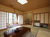 和室10畳のゆったりした客室