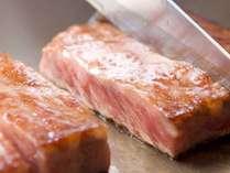 分量しっかり黒毛和牛ステーキや農家直送カラフル野菜のこだわりサラダ、安曇野産の岩魚などフルコースで…