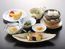 【朝食の一例】料理長こだわりの一品一品をご賞味ください。