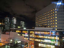 階下の京阪モールはお買い物やお食事に便利!