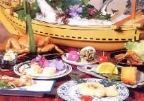 エビ、カニ、旬の魚の海鮮料理をご堪能あれ!(写真は一例です)